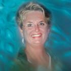 Carolyn Staut