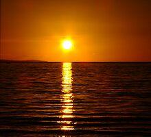 Sunset, Busselton, WA by Julia Harwood