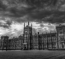 Queens University Belfast by Przemek Czaicki