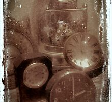Vintage Clocks by waxyfrog