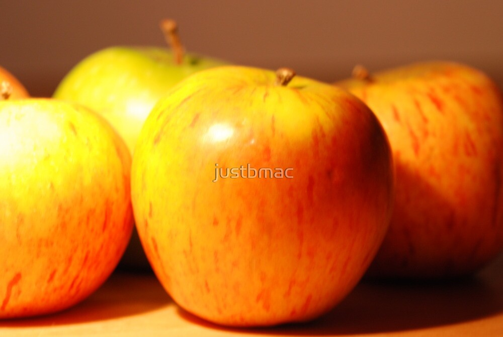 Apple time by justbmac