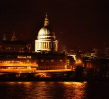 St Paul's By Night (London, UK) by Skye Ryan-Evans