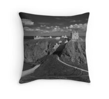 Dunnottar Castle, Stonehaven, Aberdeenshire Throw Pillow