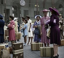 1942 Aug New York. Waiting for the trains at the Pennsylvania railroad station. by Marie-Lou Chatel