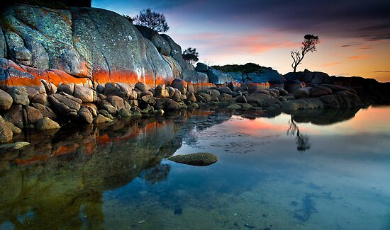 Bay Of Fires by John Dekker