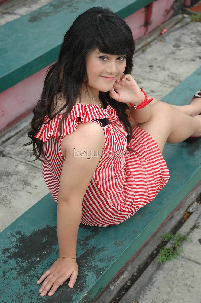 young lady  by bayu harsa