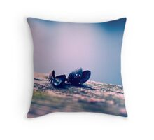 Clam shells Throw Pillow