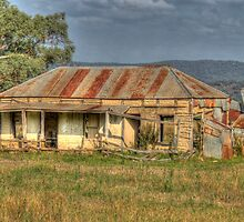 Settler's Cottage near Mudgee, NSW, Australia by Adrian Paul