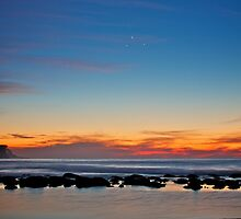 Planetary alignment over Bronte beach by Distan