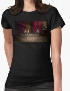 Kids - Boston MA - Jest hanging around 1909 Womens Fitted T-Shirt