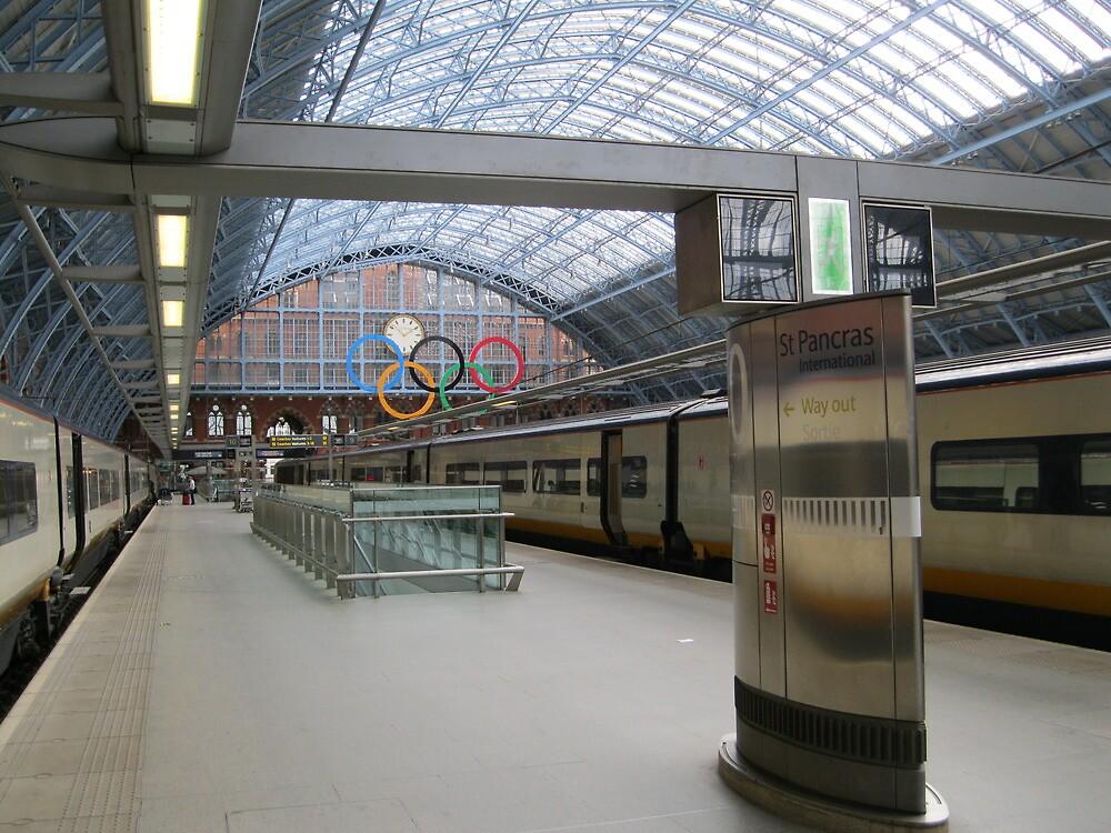 St Pancras Station,  London by stevenw888