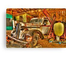 old milk truck Canvas Print