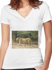 Prowling Lioness Women's Fitted V-Neck T-Shirt