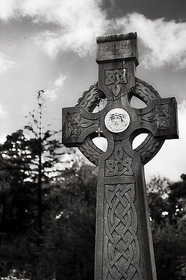 celtic cross.. by Michelle McMahon