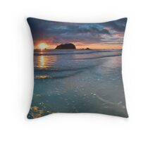 Motuotau Dawn Blues Throw Pillow