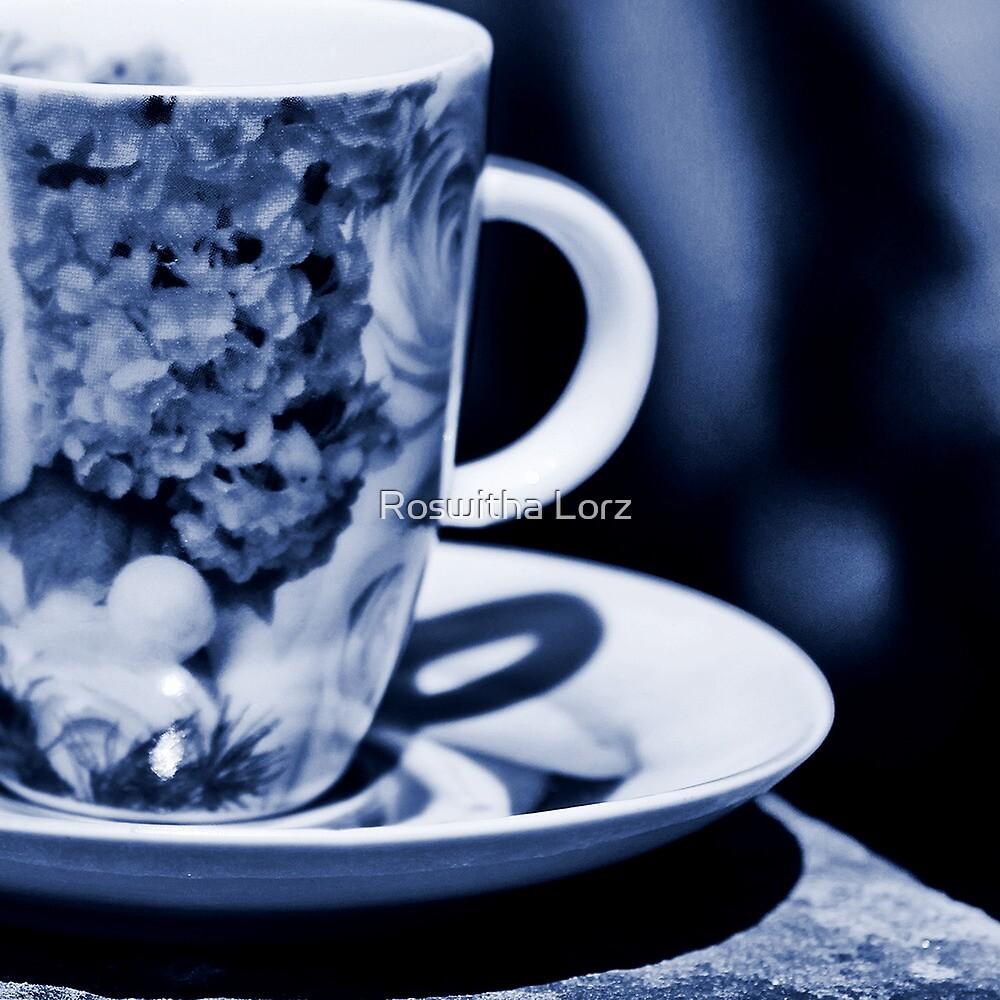 BlueCup  by RosiLorz