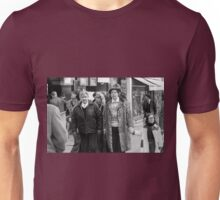 Collector, On the Way to M.Cartier Bresson Paris 1975 24 (b&n)(t) by Olao-Olavia par Okaio Création Unisex T-Shirt