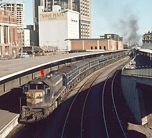 197412990022 X31 on train at Platform 1 Spencer Street Melbourne by Fred Mitchell