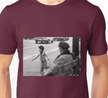 Collector, On the Way to M.Cartier Bresson Paris 1975 23 (b&n)(t) by Olao-Olavia par Okaio Création Unisex T-Shirt