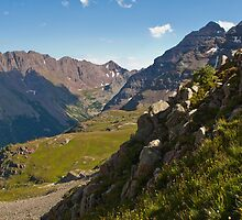 An Elk Mountain Range View of the Maroon Bells by Roschetzky