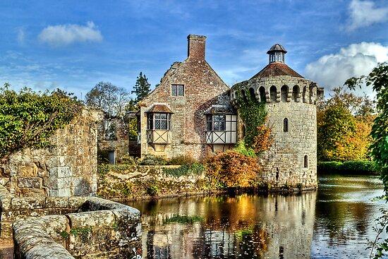 Scotney Castle by Alice Gosling
