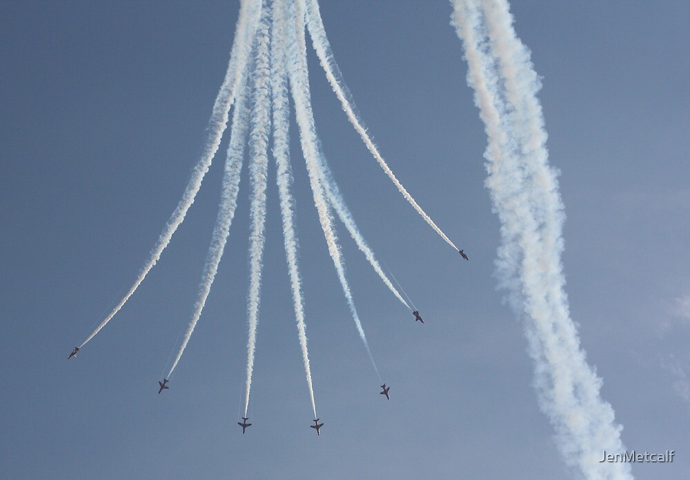Falling From Heaven - The Red Arrows by JenMetcalf
