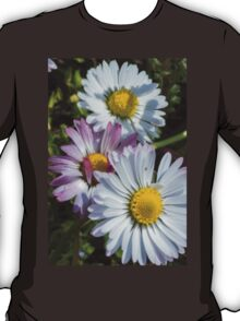 daisy in the garden T-Shirt