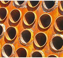 rusty engine at Bristol Docks by jardin