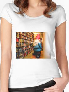 Library Gnome Women's Fitted Scoop T-Shirt