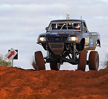 Car 569 - Finke 2011 Day 1 by Centralian Images
