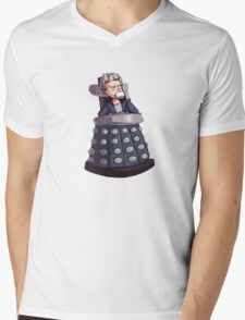 "Doctor Who - Capaldi On Davros ""Chair"" Mens V-Neck T-Shirt"