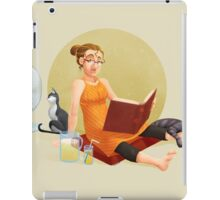 The reader V3 iPad Case/Skin