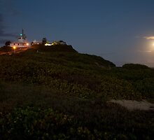 Moonrise, Nobbys Beach, Newcastle by Josh Boyd