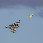 Vulcan XH558 & Gnats Formation 2 by Kevin Tappenden