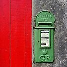 Red and Green by CliveOnBeara