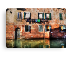 Venice washing #1 Canvas Print