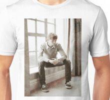 Thomas Brodie-Sangster 22 Unisex T-Shirt