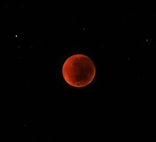 Unfolding June 2011 Lunar Eclipse, Part 5 by pablosvista2