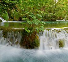 Idyllic waterfall. by cloud7