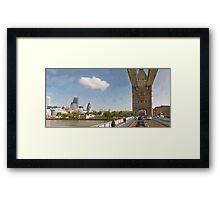 LONDON_View 031 Framed Print