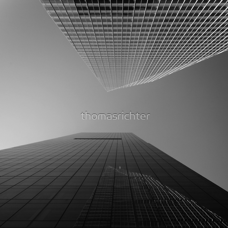 New York City, looking upwards by thomasrichter