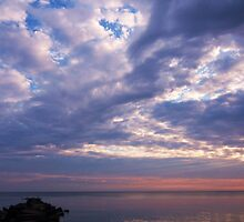 Dawn, 23 June, Lake Erie, West of Cleveland by lpizzuli