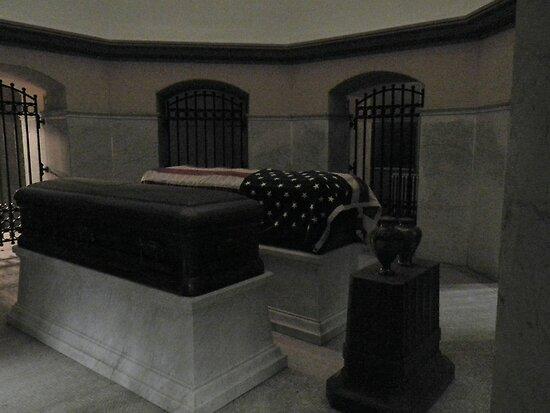 a President's final rest by WonderlandGlass