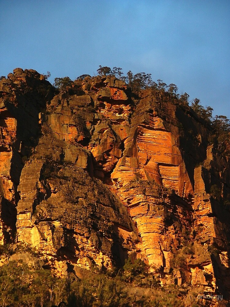 Cliffs above the Capertee by orkology