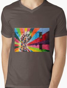 Times Square Kiss in Chelsea Mens V-Neck T-Shirt