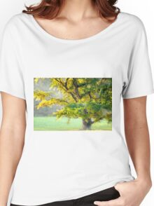The misty tree Women's Relaxed Fit T-Shirt