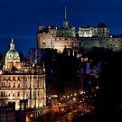 Edinburgh By Night by Lynne Morris
