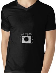 Vintage Camera Kodak Brownie Chiquita 127 Film Mens V-Neck T-Shirt