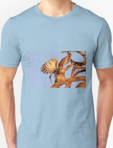 THE GIANT EAGLE OWL - and the weavers nest Unisex T-Shirt
