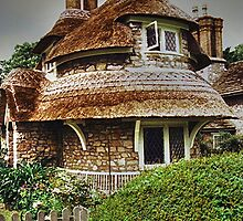 Circular Cottage, Blaise Hamlet...........! by Roy  Massicks